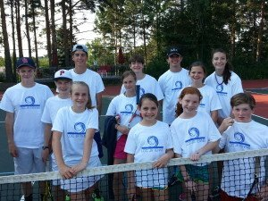 tennis_group_with_tshirt